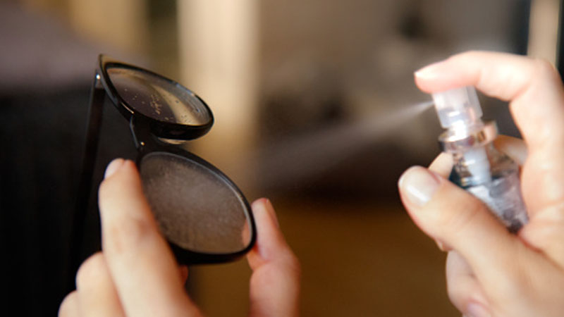 Clean Smudges Off of Glasses