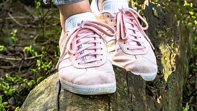 How To Stretch Sneakers For Wide Feet